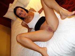 Photos de l'humble hôtesse sans culotte